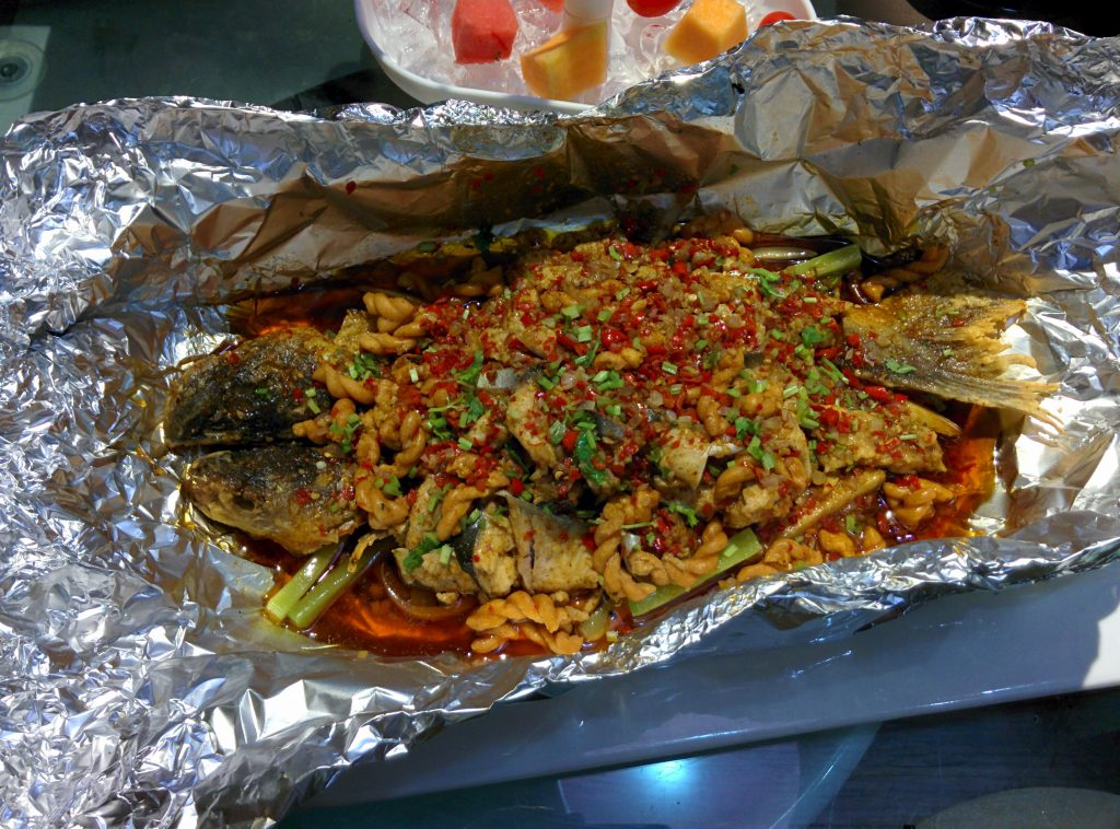 The centerpiece of our meal -- a huge, spicy fish!